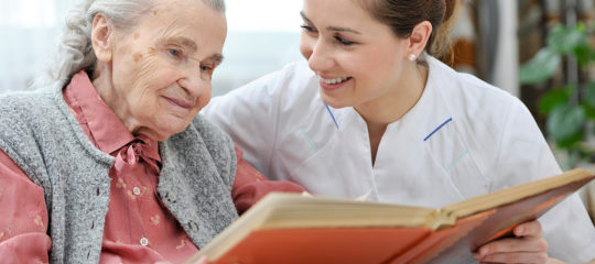 6 Signs That Signal Your Elderly Loved One Needs In-Home Care