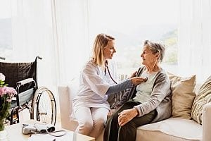 a dementia patient and her caregiver who knows about the rapid onset dementia life expectancy